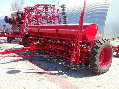 Фермерам обещана компенсация за покупку отечественной техники