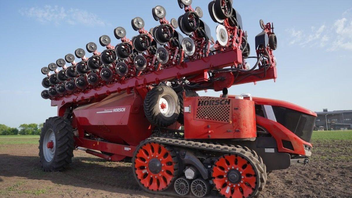 Роботизированный посевной комплекс Horsch Robo: уже в полях